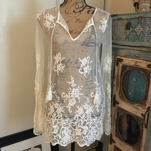 Forever 21 Off white embroidered lace Tunic top S